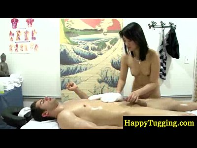 Asian Asiansex Handjob video: Asian masseuse makes customer cum