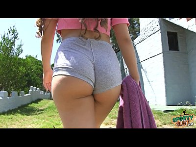Teen Outdoor video: Bubble Butt Teen Working Out. Cameltoe and Big Boobs!
