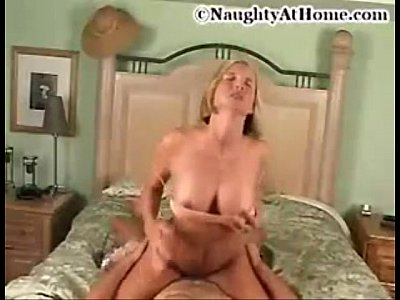 Milf going for it