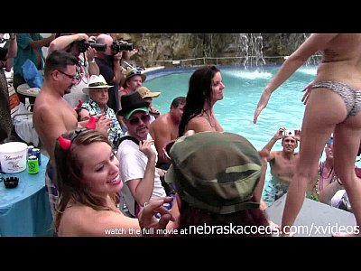 Exgirlfriend Firsttime Flashing video: girls eating pussy and getting totally naked at wild pool party