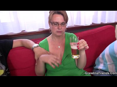 Granny Housewife Mature video: Boozed bitch gives head and gets assfucked