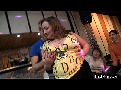 Bigtitsparty Bbwbar Bbwclub video: Big booty chick strips and gives head in the bar