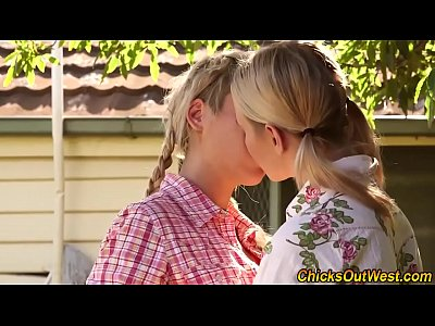 Fingering Fetish movie: Pissing australian lesbo