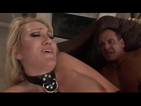 Nasty secretary seduces her boss and enters her office