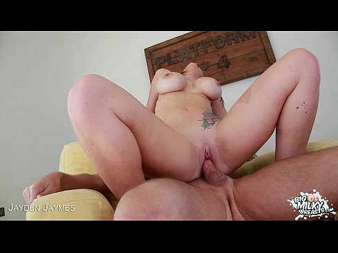 http://img100-483.xvideos.com/videos/thumbslll/09/29/32/0929329170384836868cfd0753af1950/0929329170384836868cfd0753af1950.25.jpg