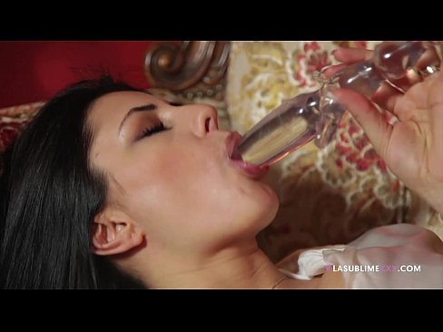 LaSublimeXXX Sofia Cucci loves solo play with a dildo in her ass