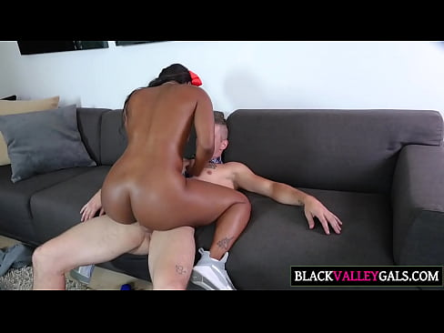 Massive Ebony Butt Chanell Heart Gets Fucked