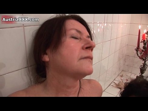 I am a nice lady who is looking for a honest, caring and  Ørvik