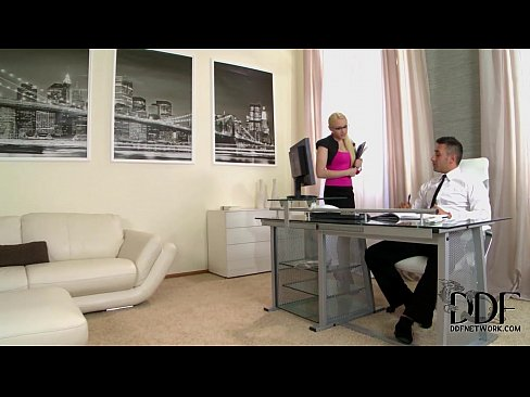 Nasty Office Babe Lola Taylor's Holes Gaped With Two Cocks