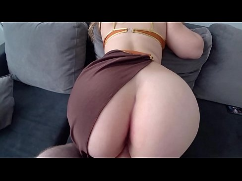 Princess Leia with big juicy ass fucks with a guy