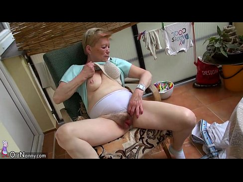Natural amateur moms
