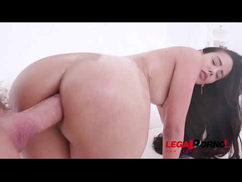 Andreina De Luxe assfucked by Chris Diamond's huge cock SZ2193