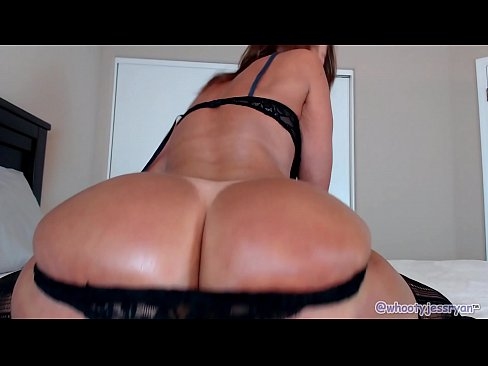 PAWG Milf Jess Ryan Twerking Her Ass