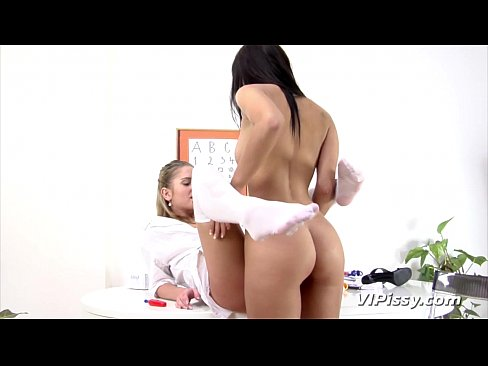Pissing lesbians dressed as nurses have some fun