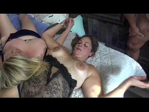 Exclusive video of amateur swinger couples having a foursome orgy