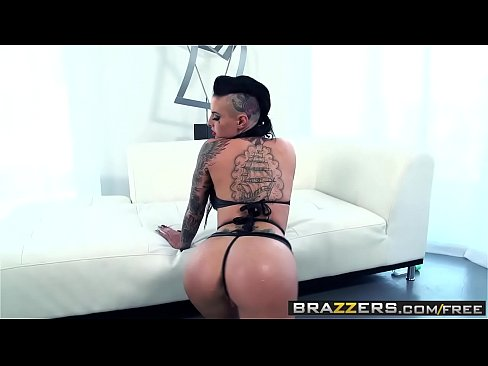 Brazzers - Big Wet Butts - Wet and Wild Whooty scene starring Christy Mack and Keiran Lee