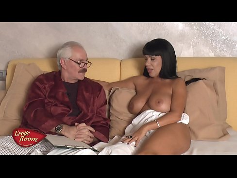 Erotic Room-Ospite Sonia Eyes