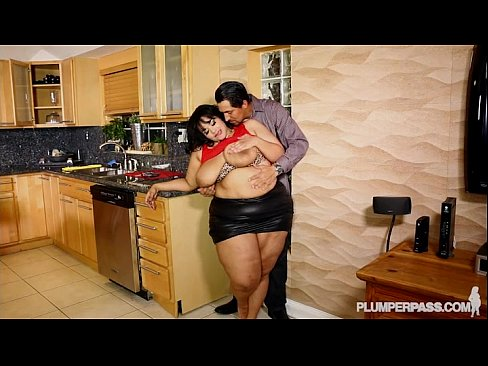 SSBBW Vylette Vonne Takes Selfies With Huge Cock in Mouth