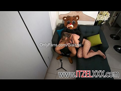 Gia Itzel makes an unknown boy delicious blowjob.