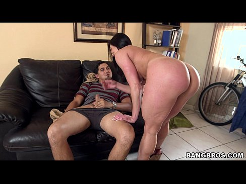 Big Booty MILF Kendra Lust on Her Kness For Some Dick
