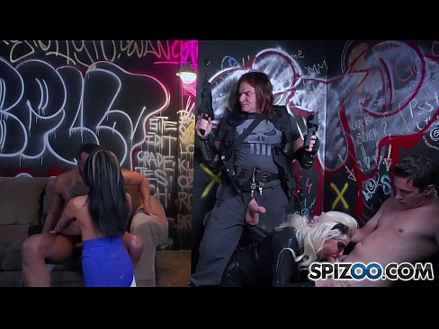 Spizoo - Gabby Quinteros and Vyxen Steel get fucked, double penetration