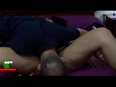 Relaxing session with a massage of pussy on bed...