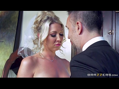 7 Min Lexi Lowe Gets One Last Cock Before The Wedding Brazzer Hot Porns