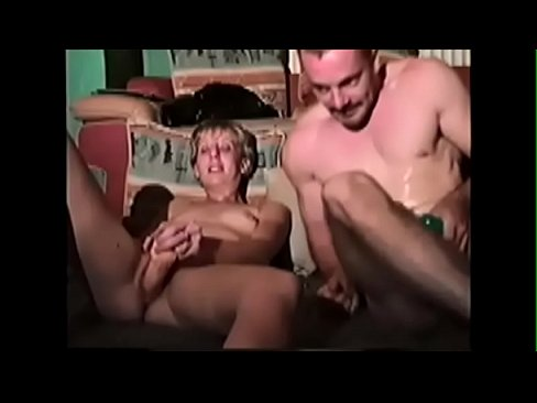 Hubby and wife double dildo-www.4adultcam.com