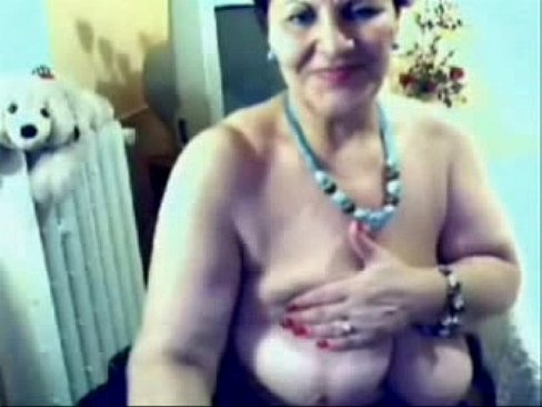 I hacked web cam of my mature mom – X Videos