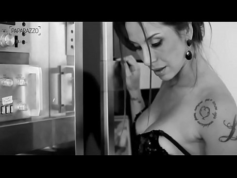 Making Of Lizi Benites – Paparazzo