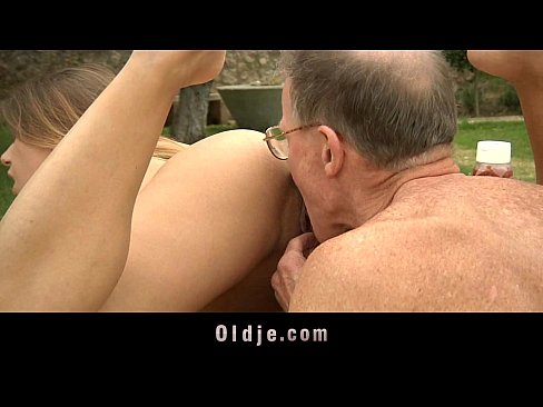 Big hard on dong fills Nikky's young pussy and ass