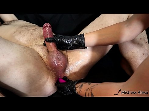 FINGERING HIS ASS PROSTATE MASSAGE - WITH HUGE CUMSHOT