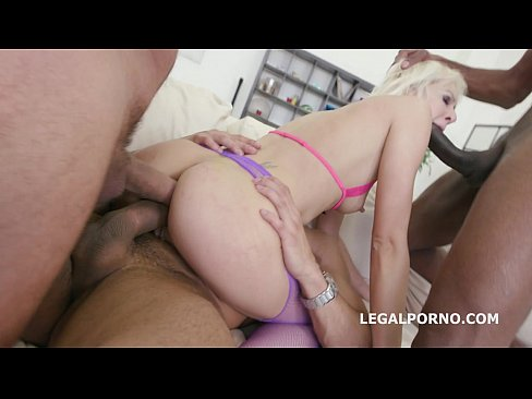 Lola Shine gets the daylights fucked out of her- 4on1 with Triple Anal
