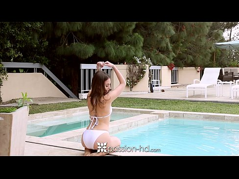 Passion-HD - Riley Reid fucked poolside by huge cock