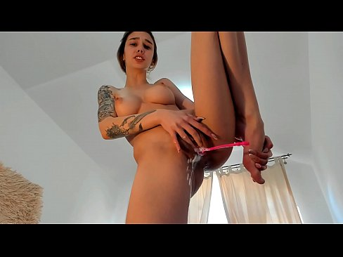 BIGEST SQUIRT EVER .... 3 MIN CANT STOP SQUIRT ..AND CUMMING ..