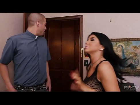 Busty MILF Romi Rain gets fucked by a Brother