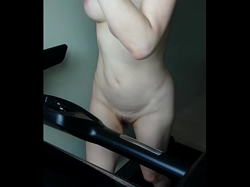 Sexy Asian tits on treadmill