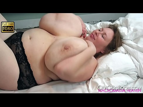lilydreamboobs huge natural tits milf