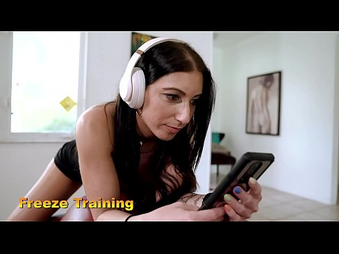Alissa Avni in Oblivious Daughter - Freeze Training