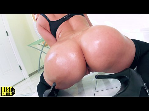 BEST BUTTS: Sheena Ryder rides & milks Laz Fyre's Dick *Bubble Booty*