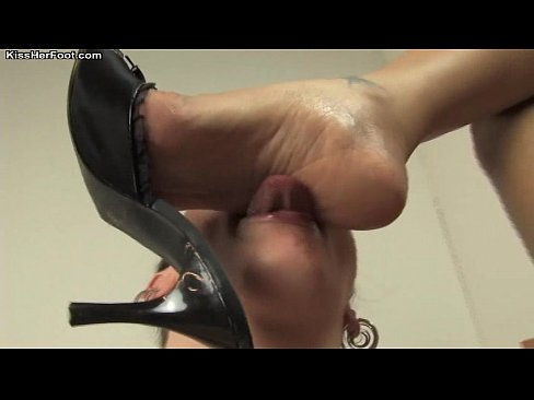 Chubby Lecker, Lesbian boot foot worship Xvideos com