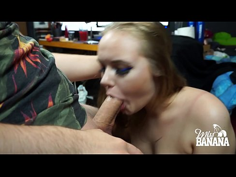 GIRL SUCKS HUGE COCK - Miss Banana