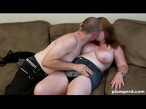 Nerdy BBW girl is really happy to be fucked hard