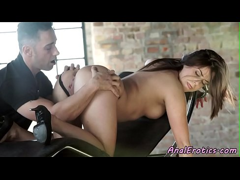 Glamcore babe assfucked after a rimjob