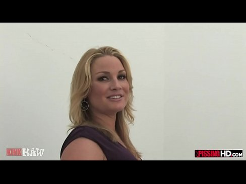 Flower Tucci drinks his piss and sucks his dick