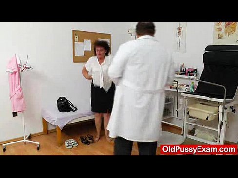 Fuck Hole inspection with a basty gramma