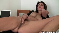 Porn will get mom's pussy juicy