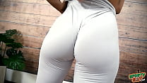 Amazing Big HARD Round Ass Fit Babe has Huge Cameltoe in White Leggings