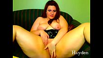 thick curvy redhead shakes her fat ass and plays with her pussy