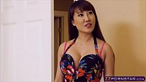 Hot asian chick got revenge on her girlfriend v...